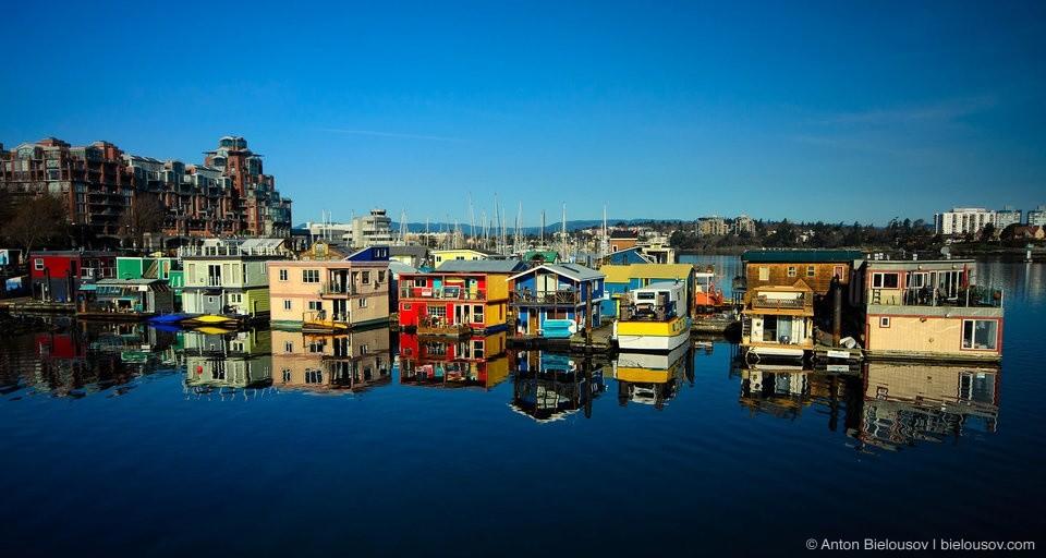 Victoria Float Homes